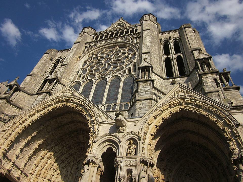 Versailles & Chartres tour