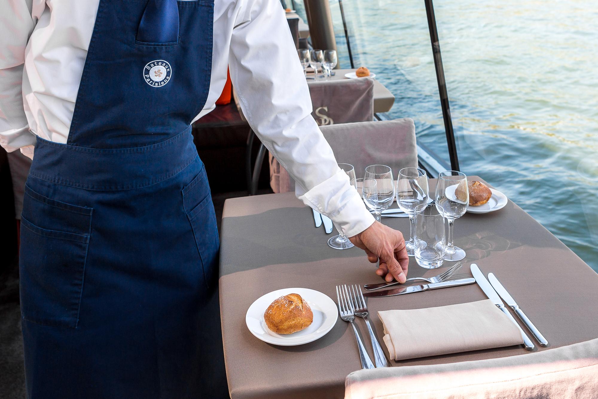 Paris cruise boat