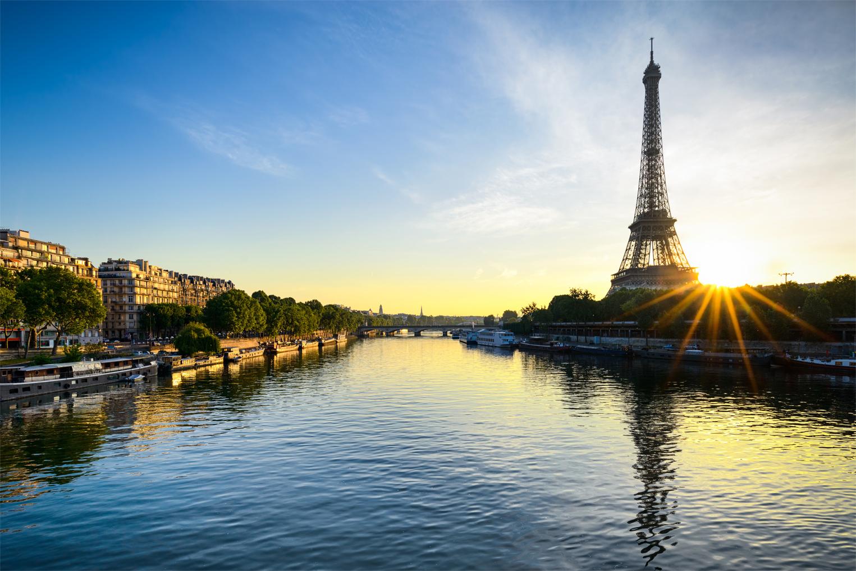 Sunset cruise Paris