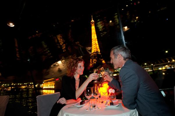 romantic seine dinner cruise